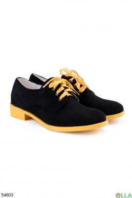 Женские туфли на каблуке
