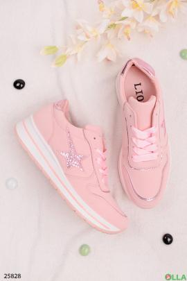 Розовые кроссовки со звездой