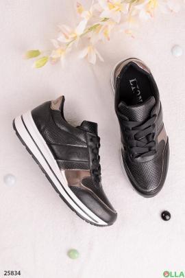 Черные кроссовки с надписью Sport