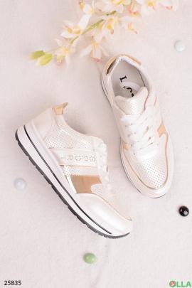 Белые кроссовки с надписью Sport
