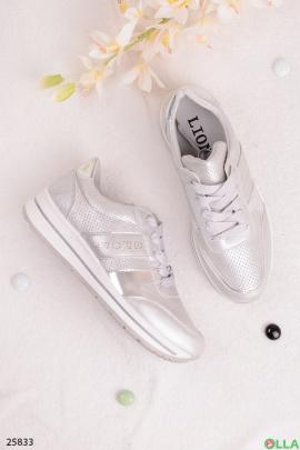 Серебристые кроссовки с надписью Sport