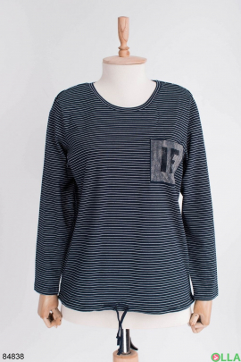 Женский темно-синий свитер в полоску