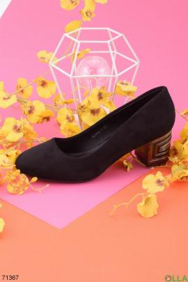 Женские черные туфли из эко-замши на каблуке