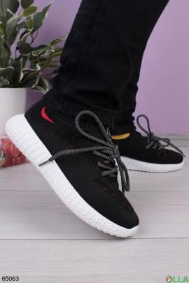 Женские черные кроссовки с серой шнуровкой