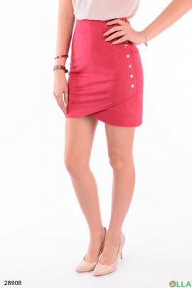 Малиновая юбка с заклепками