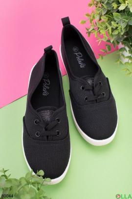 Женские черные кроссовки на шнуровке
