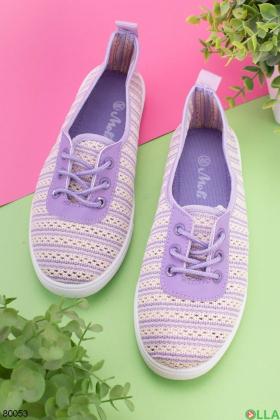 Женские фиолетовые кроссовки на шнуровке