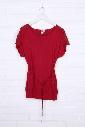 Красная удлиненная футболка