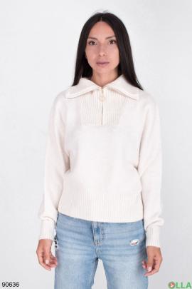 Женский свитер на молнии