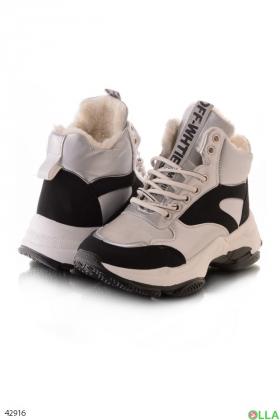 Женские ботинки на платформе