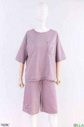 Женский фиолетовый костюм из футболки и шорт