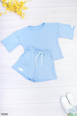 Женский голубой костюм из футболки и шорт