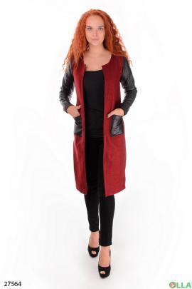 Пальто бордового цвета
