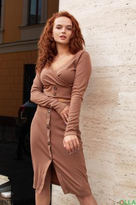Женский коричневый трикотажный юбочный костюм