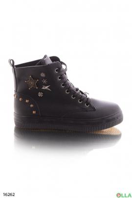 Женские ботинки в стиле милитари