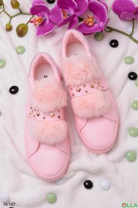 Розовые  слипоны с  мехом