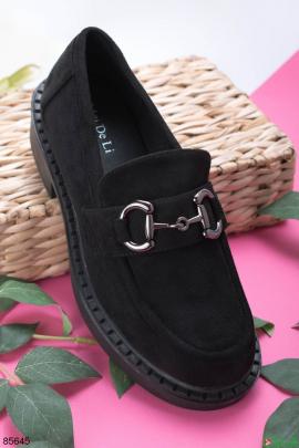 Женские черные туфли с пряжкой