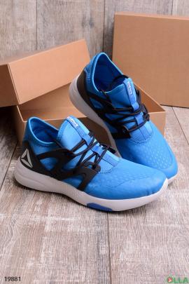 Легкие спортивные кроссовки