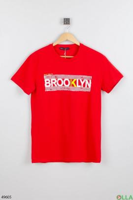 Мужская красная футболка