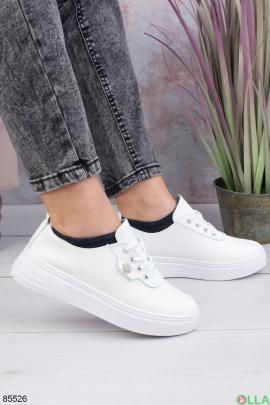 Женские белые кроссовки из эко-кожи