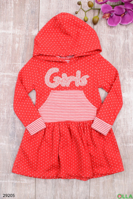 Красное платье с капюшоном