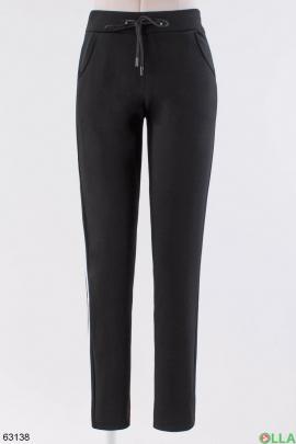 Женские спортивные брюки черного цвета на флисе