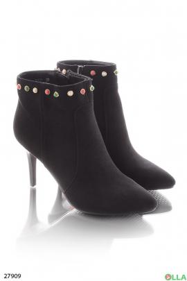 Ботинки с острым носком,на шпильке