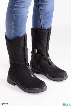 Замшевые ботинки черного цвета