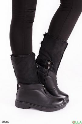 Ботинки на низком каблуке