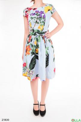 Женское платье с полосато-цветочным принтом