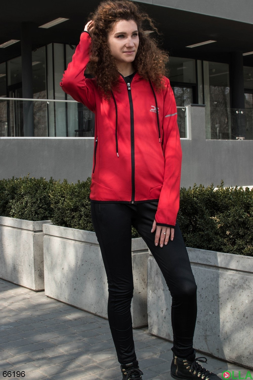 Женский черно-красный спортивный костюм