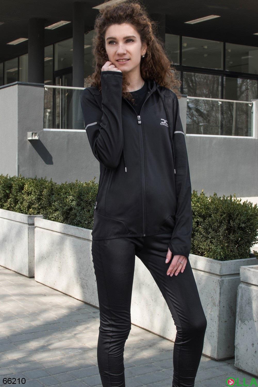 Женский черный спортивний костюм