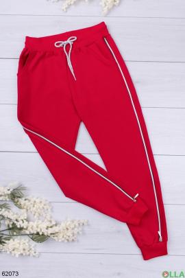 Женские спортивные брюки красного цвета