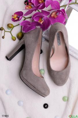 Женские туфли серого цвета