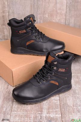 Темно-синие ботинки на шнуровке