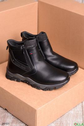 Черные ботинки на змейке