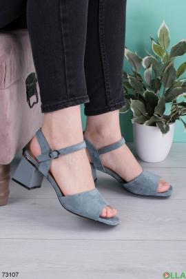Женские синие босоножки на каблуке