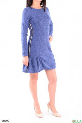 Синее платье с расклешённым низом