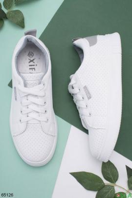 Женские белые кроссовки с серым задником
