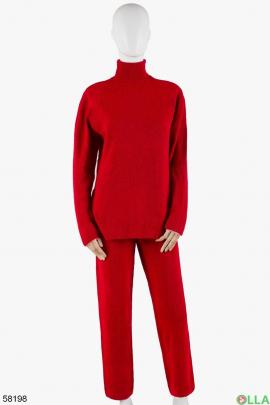 Женский красный трикотажный костюм