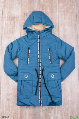 Утепленная куртка синего цвета с капюшоном