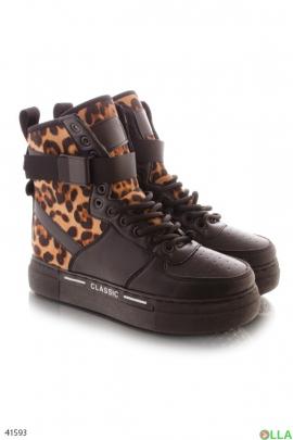 Женские завышенные ботинки