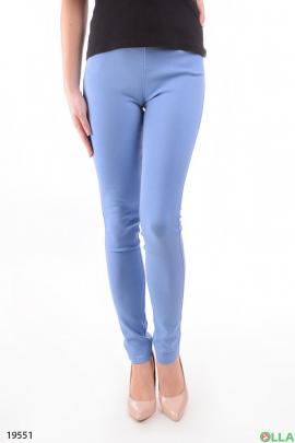 Голубые однотонные  джинсы