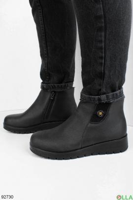 Женские зимние черные ботинки на танкетке