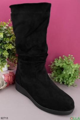 Женские черные сапоги на платформе