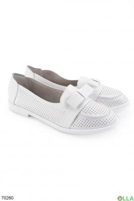 Женские белые туфли с бантиком и напылением