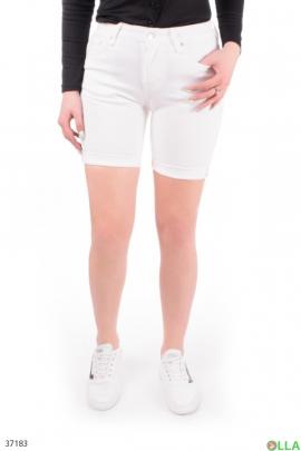 Женские  шорты белого цвета