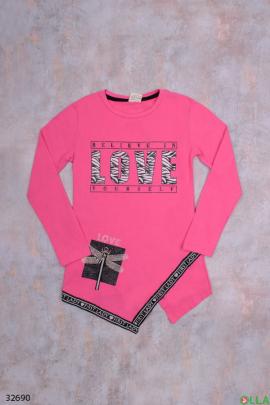Розовая туника с надписью