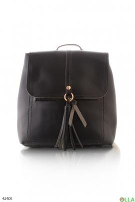 Женский рюкзак с кисточкой