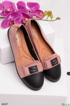 Розовые туфли с черным носком